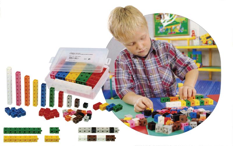 Spojovatelné barevné kostky 100