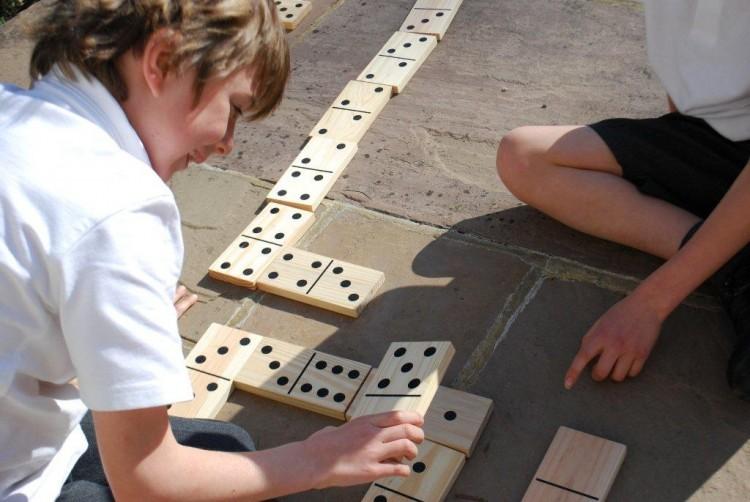 Obrovské dřevěné Domino